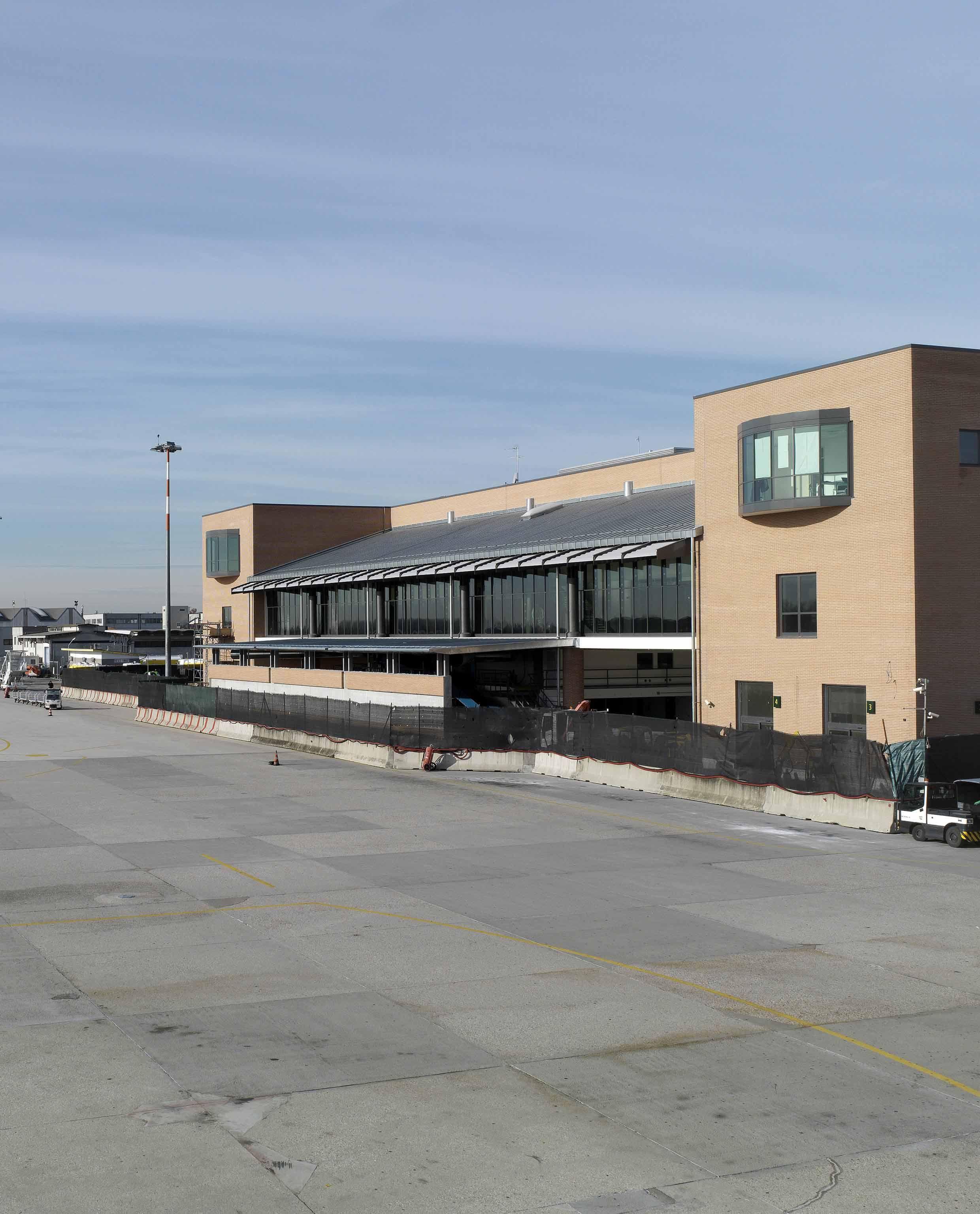 Aeroporto Canova di Treviso - image 7
